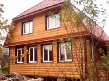 Вариант дачного домика с пластиковыми окнами.